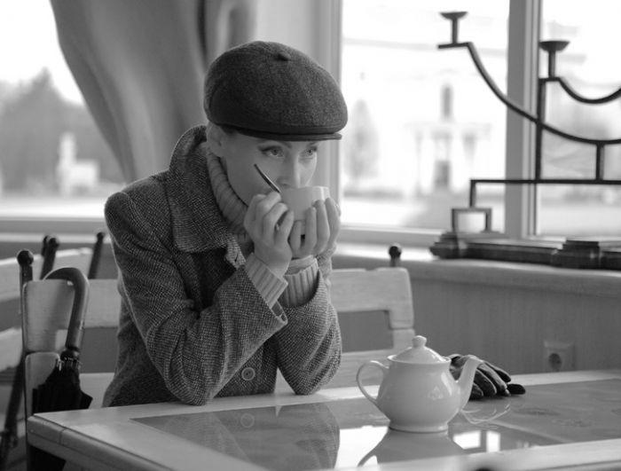 картинка с девушка с кофе